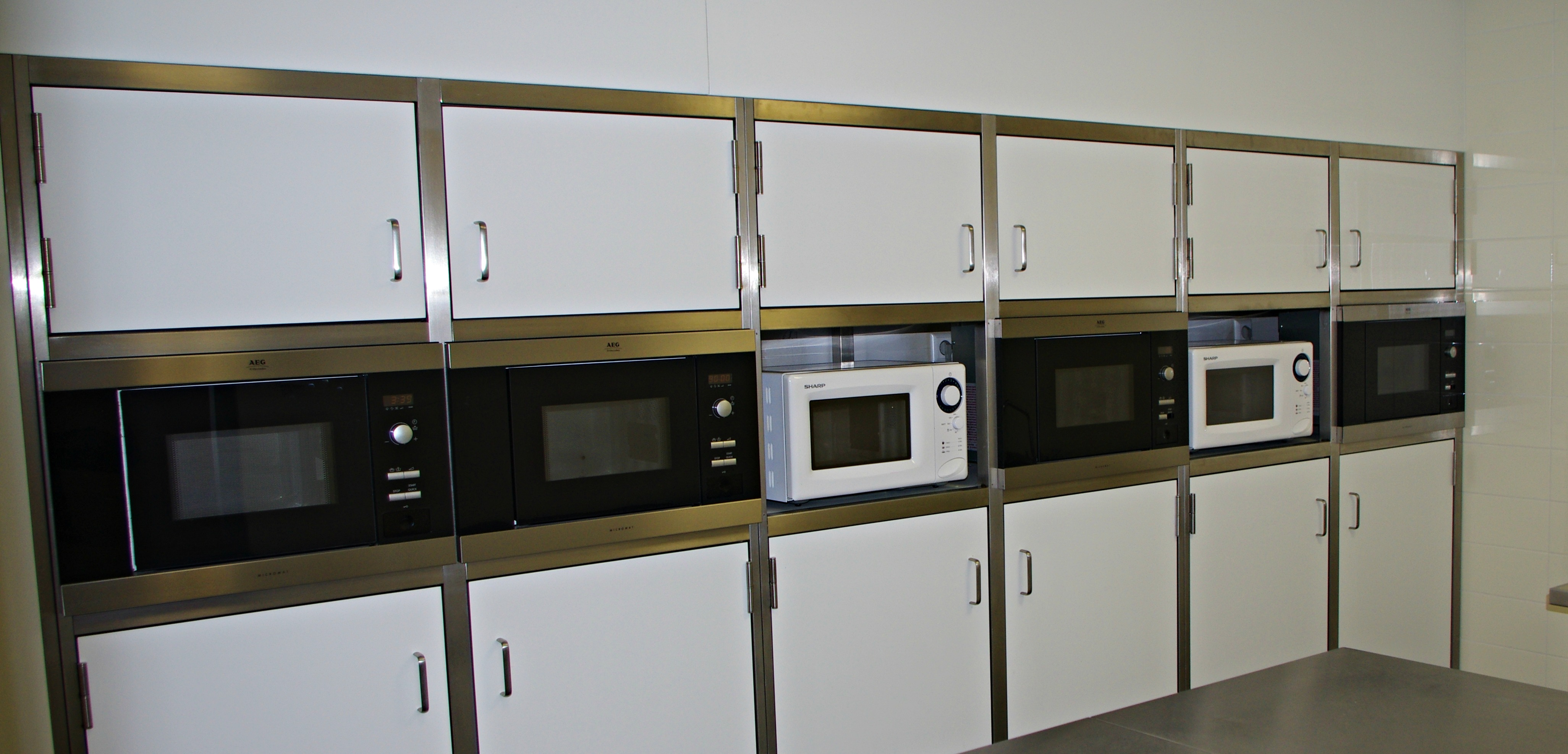 Large kitchen for you to cook and heat up meals